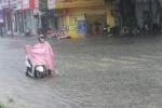 Tin mới bão số 4: Nhiều tuyến đường ở Huế ngập trong nước