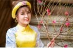 Hoa khôi tài năng khoe ảnh áo dài rạng rỡ đón Xuân