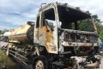 Xe bồn chở dầu bốc cháy ngùn ngụt trên quốc lộ 1A