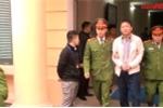 Video: Trịnh Xuân Thanh buồn bã lên xe thùng sau khi tòa tuyên án