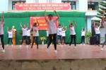 Vũ điệu cực 'chất' của học sinh vùng núi Sơn La trong ngày khai trường
