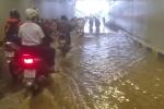 Hầm chui hơn trăm tỷ đồng mới thông xe: Nước ngập lênh láng
