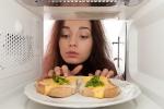 10 loại thực phẩm dù vội đến mấy cũng không được cho vào lò vi sóng