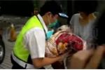 Nữ sinh đẻ rơi trong nhà vệ sinh trường