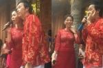 Video: Lệ Quyên song ca cùng  NSƯT Hoài Linh trong lễ giỗ Tổ sân khấu