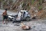 Clip: Hiện trường vụ đá lăn đè bẹp ô tô, tài xế chết thảm ở Lai Châu