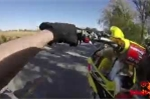'Quái xế' bốc đầu môtô trêu ngươi cảnh sát và cái kết đắng
