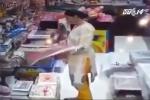 Phụ nữ nhà giàu Trung Quốc rủ nhau đi ăn trộm để... giải sầu