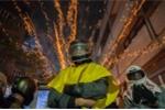 Các lễ hội nguy hiểm nhất thế giới: Bắn pháo hoa cháy đỏ vào người để lấy may ở Đài Loan