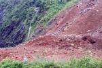 Sạt lở nghiêm trọng tại quốc lộ 279D, tuyến Sơn La đi Lai Châu, Lào Cai lại bị tắc nghẽn