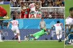 Truyền thông quốc tế: Ronaldo gặp may, VAR 'ngu dốt'