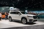 Subaru Ascent giá 33.000 USD, đối thủ Hyundai Santa Fe