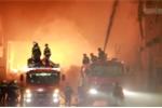Cháy 24 giờ ở khu công nghiệp Trà Nóc: Công ty than chữa cháy kém hiệu quả