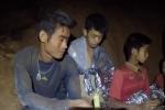 Huan luyen vien doi bong Thai Lan duoc dua ra khoi hang som hon du kien vi suc khoe qua yeu hinh anh 1