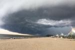 Đám mây hình thù kỳ lạ tại bãi biển Sầm Sơn: Đài Khí tượng thuỷ văn Thanh Hóa lý giải