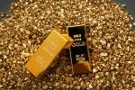 Giá vàng hôm nay 15/1: Tăng cao một cách đột biến, chạm 'đỉnh' 5 tháng