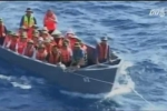 Video: Tàu đưa 20 tấn quà Tết đến nhà giàn DK1