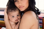 Kylie Jenner khoe loat anh dep ben con gai mung sinh nhat tuoi 21 hinh anh 1