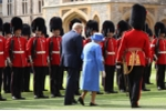Tong thong Trump bi chi trich vi 'phot lo' nu hoang Anh Elizabeth II hinh anh 4
