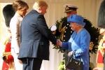 Tong thong Trump bi chi trich vi 'phot lo' nu hoang Anh Elizabeth II hinh anh 1