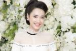 Bỏ mặc scandal của Trường Giang - Nam Em, Nhã Phương xinh tươi dự sự kiện