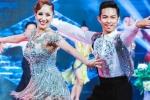 Khánh Thi tình tứ bên Phan Hiển, khiêu vũ cực ngọt ngào trên sân khấu