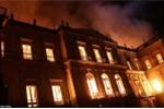 Video, Ảnh: Bảo tàng quốc gia Brazil 200 tuổi chìm trong biển lửa, 20 triệu cổ vật bị thiêu rụi