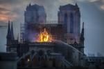 Ngọn lửa thiêu rụi Nhà thờ Đức Bà Paris đã được kiểm soát, nhưng vẫn có nguy cơ bùng phát