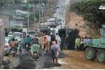 Clip: Lật xe liên tiếp trên đường Hồ Chí Minh