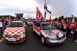 A quan World Cup 2018 Croatia tro ve giua bien nguoi va khoi phao hinh anh 9