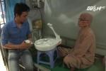 Cận cảnh robot phục vụ người già đầu tiên của Việt Nam