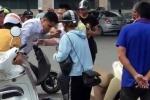 Nghi dàn cảnh cướp tài sản, người đàn ông bị dân quây đánh giữa phố Thủ đô