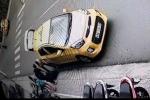 Đi taxi 3km, hai du khách nước ngoài bị 'chém' 500 nghìn đồng