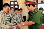 Vì sao không mở rộng đặc xá với người bị kết án tử hình?