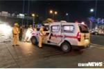 Xe cứu thương va chạm với container ở TP.HCM, 2 người bị thương nặng