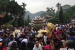 Khai hội chùa Hương: Giá vé tăng, nạn 'chặt chém' vẫn nhan nhản