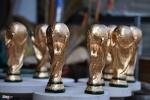 World Cup 2018: 'Cup vàng' 80.000 đồng bày bán ở cửa nhà, quán nước