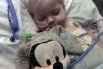 Tưởng chết vì ung thư, cậu bé đột nhiên tỉnh dậy ngay khi gia đình rút ống thở