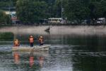 'Giải cứu' hồ ô nhiễm ở Hà Nội bằng chế phẩm đặc biệt