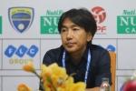 CLB TP.HCM khủng hoảng nhân sự, HLV Miura sẵn sàng xỏ giày thi đấu