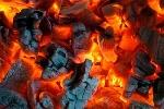 Đau lòng bé 4 ngày tuổi tử vong do sưởi ấm bằng than củi