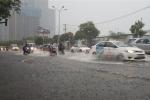 Áp thấp nhiệt đới hướng ra biển, Trung Bộ mưa lớn