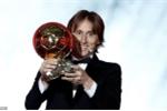 Video: Khoảnh khắc Luka Modric phá thế độc tôn của Ronaldo - Messi, nhận Quả bóng vàng