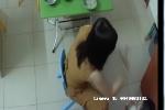 Hà Nội: Bé 3 tuổi bị véo tai, tát bôm bốp khi ăn