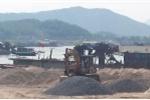 Chủ tịch tỉnh Hòa Bình đối thoại với dân về việc hàng trăm tàu hút cát gây bức xúc dư luận