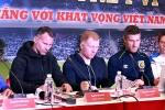 HLV Australia ngại ngùng xin chữ ký Ryan Giggs, Paul Scholes