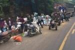 Xe tải đâm vào vách núi khiến 2 người chết: 'Có người mang công nông đến hôi của'