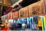 Chợ Đồng Xuân Berlin bán những đồ tuyên truyền về phát xít Đức Hitler