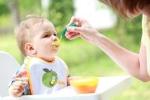 4 thói quen ăn uống sai lầm của bố mẹ vô tình hại con