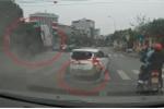 Clip: Ô tô 'điên' lộn nhào trên đường sau khi gây tai nạn liên hoàn ở Hải Dương